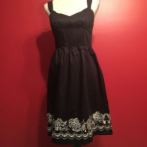 ❤️ NEW Ann Taylor Floral Trim Dress Size 6P Petite